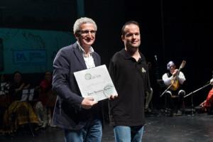 Entrega del premio de la Fundación Lacus a De los Pies a la cabeza
